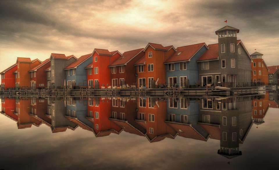 Bedrijfsuitje Groningen Gekleurde huizen wijk Reitdiephaven