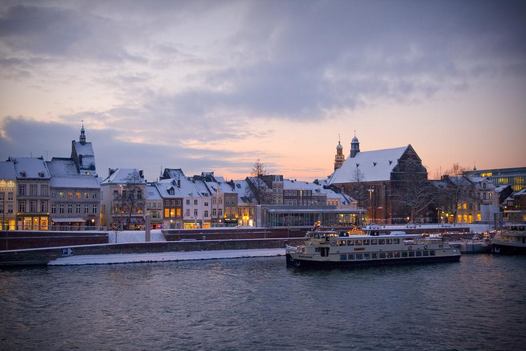 Limburg Bedrijfsuitje Maastricht grachten Personeelsuitje