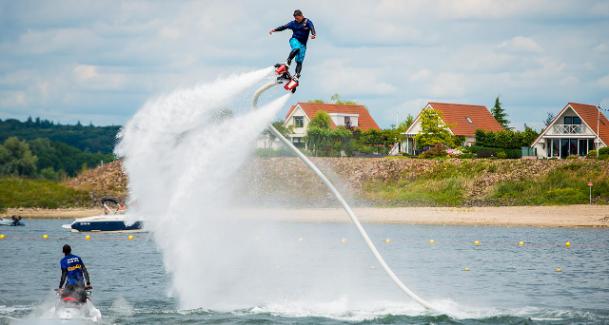 Flyboard Experience Durf te Dromen Groningen Bedrijfsuitje Actief uitje Water