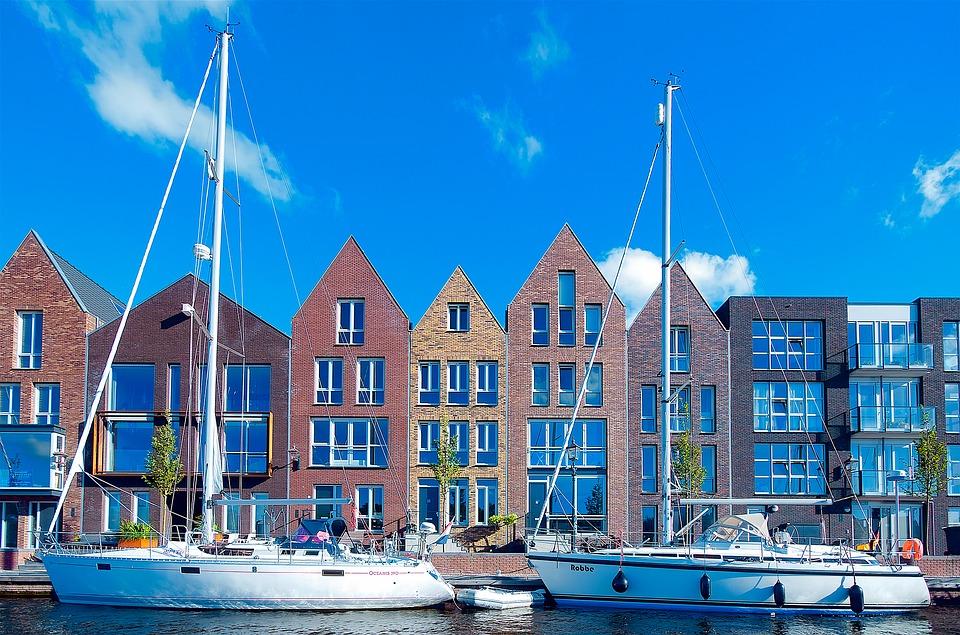 Haarlem Bedrijfsuitje Woningen Architectuur grachten zeilboot