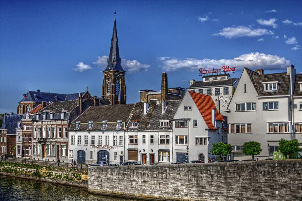 Teambuilding Maastricht Skyline Uitzicht Stad Basiliek van Onze Lieve Vrouwe Kerk