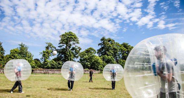 Ultimate Bubbel Voetbal Groningen Bedrijfsuitje Actief Outdoor Indoor Uitje