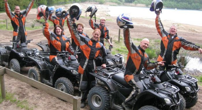 Strand teambuilding: Monster Offroad Adventure Island